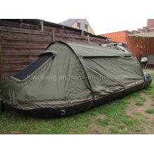 Militärische Qualität Fischerboot mit grünen Zelt