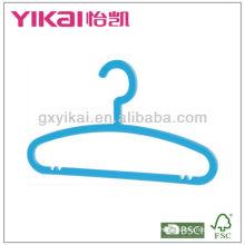 Вешалка для детской пластмассы с брючным штангой и пазами для ремней