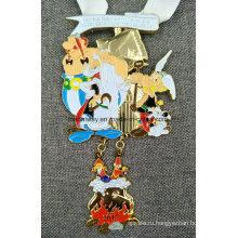 Подгонянная заливка формы с висящими Кулон эмалированная медаль