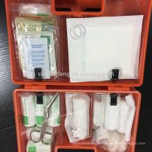 Erste-Hilfe-Kasten mit Plastikbox