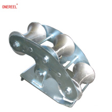 Self-centering idler underground cable roller