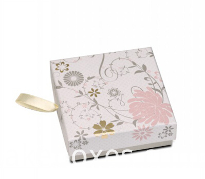 custom gift paper box for garment