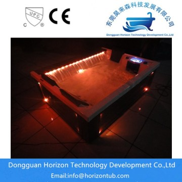 Horizon portable hot tub