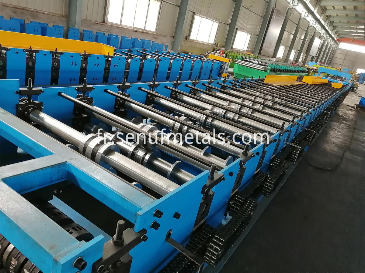 40-150-750 floor deck forming machine (1)