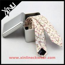 Lazo de algodón flaco de la caja del metal de plata del algodón de la flor