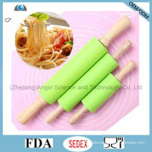 Cake Paste Dough Baking Flour Wood Rolling Pin with Silicone Sk35 (M)