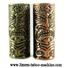 Material de sujeción del tatuaje Skull Emboss Tubo de aleación del tatuaje 25 mm apretones