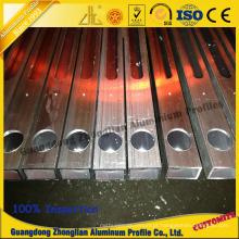 Perfil de extrusão de alumínio com usinagem CNC