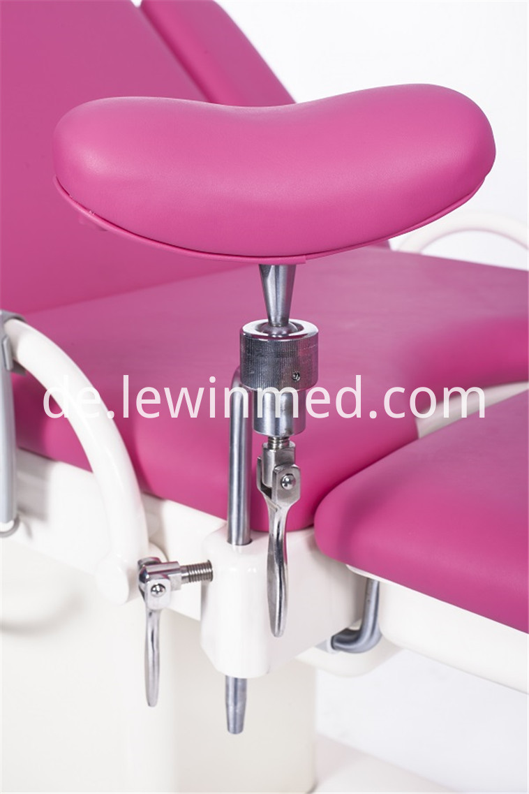 Electric Gynecological Bed 32