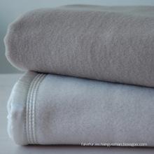 Manta 100% lana australiana muy suave