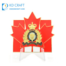 Manufacturer china custom metal zinc alloy enamel gold plated crown hollow canada canadian rcmp maple leaf challenge coin