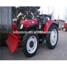 Tracteur agricole avec lame de bulldozer avant bullzoder