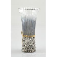 Vase en verre à haute jute