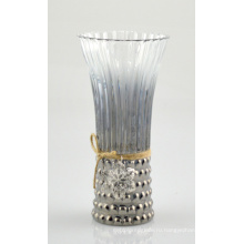 Высокоглянцевая ваза с красивым канатом из джута