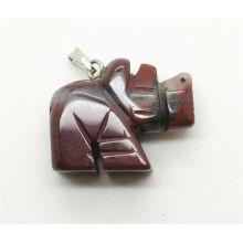 Pendentif en forme de rhinocéros en rouge Jasper