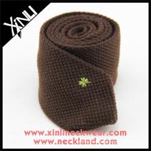 Crie seus próprios gravatas feitas sob encomenda das lãs dos homens do pescoço do bordado do tipo logotipo feito sob encomenda