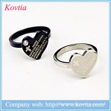 Conception de anneaux pour anneaux de coeur masculins avec bible croix noire et anneau en titane