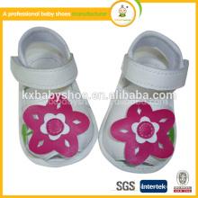Doux semelle en caoutchouc de haute qualité lastest design enfants chaussures sandales pour fille