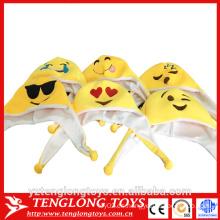 Sombrero de la felpa del emoji barato de la fábrica de yangzhou, sombrero del emoji de la felpa
