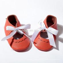 Los últimos moccasins de cuero verdaderos del bebé de los zapatos de bebé del verano moccs resbalón en el bebé