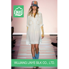 Wujiang 100% tecido simples de poliéster para lenços / vestidos