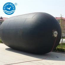 Pára-choque de borracha do barco marítimo Evergreen do tipo do certificado do ISO com corrente de pneu