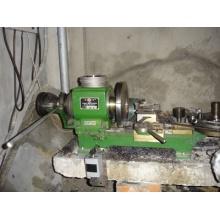 Petite machine de tour pour la coupe de joint en métal
