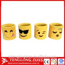 Sostenedor de taza caliente del emoji, sostenedor de la pluma del emoji de la felpa