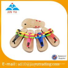 China precio de fábrica hermoso estilo sandalia chica de señora sandalia