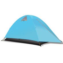 2 campeurs de camping en plein air de randonnée imperméable