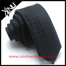 Almacenamiento de corbata de seda en panel
