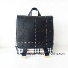 Guangzhou Lieferant Lady PU Nieten Leder Rucksack (NMDK-040505)