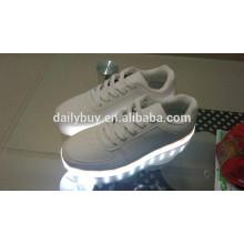 Unisex mulheres homens USB carregando luz piscando sapatos de sneaker LED