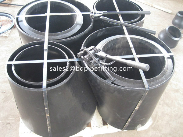 Alloy pipe fitting (252)