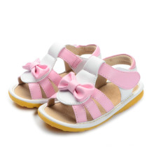 Розовые детские сандалии с симпатичным бантом