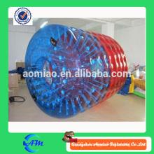 Rouleau d'eau gonflable à rouleau rouge et bleu gonflable à ballon à eau à vendre