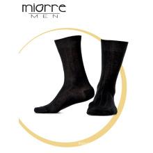 Miorre Оптовая продажа OEM смешанных разных цветов мужчин хлопка носки