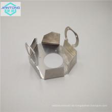 Stanzwerkzeuge aus Metall Stanzen von flexiblen Blechen aus Aluminium