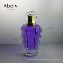 Elegante e elegante garrafa de vidro para o perfume