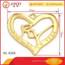 Característica regional personalizada e decoração de metal de forma de coração de tema