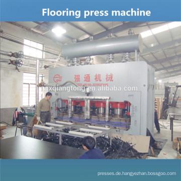 Bodenlaminatmaschine / Heißpresse zum Herstellen von Laminatboden