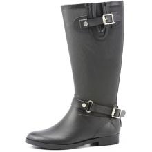 Черный моды и красивый езда сапоги дождь
