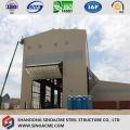 Planta industrial da ascensão da construção de aço com guindaste