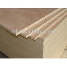 Contrachapado de madera dura