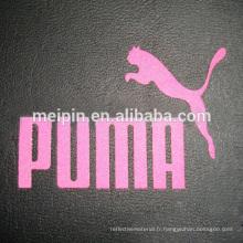 Logo T-shirt découpé à la main avec autocollant réfléchissant transparent / vinyle