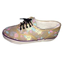 Sapatas da sapatilha do inverno para meninas