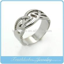 TKB-R0027 Bague de mariage celtique avec nœuds entourés de motifs en acier inoxydable