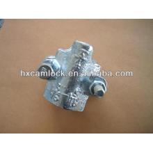 Interlock hose clamp for steam hose coupling