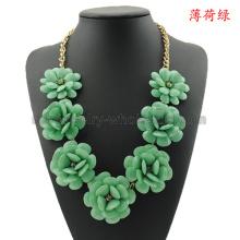 Resina coloridas flores encantos collar para las mujeres
