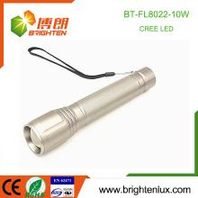 Factory Wholesale 3 mode lights Aluminium alliage 3C taille batterie utilisée Long Range 10w xml u2 Cree Zooming Puissant LED Torch Light